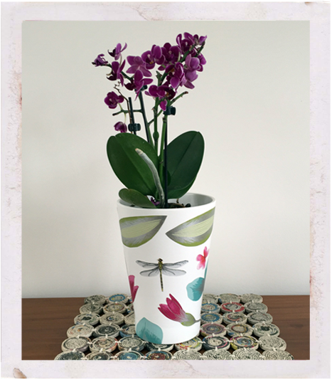 Ikea papaja ceramic pot with wallpaper decoupage from cut-outs, ikea hacks